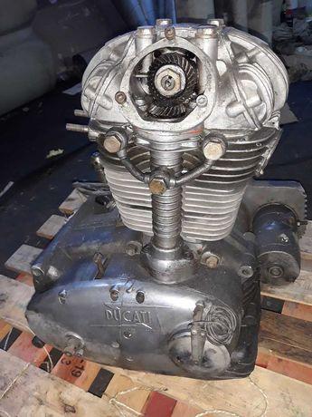 Ducati motor 350cc