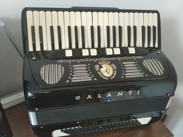 Sprzedam włoski akordeon galanti