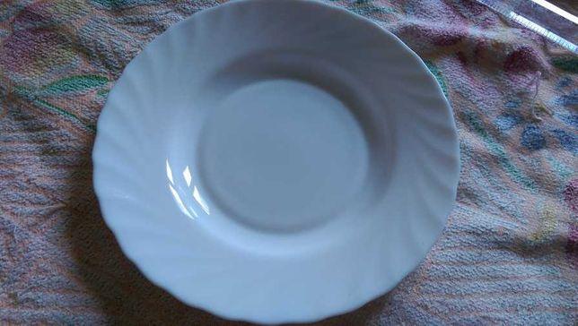 Тарілка обідня Luminarc 225мм