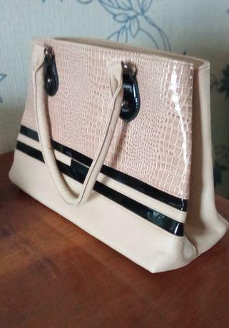 стильная сумка бежевая