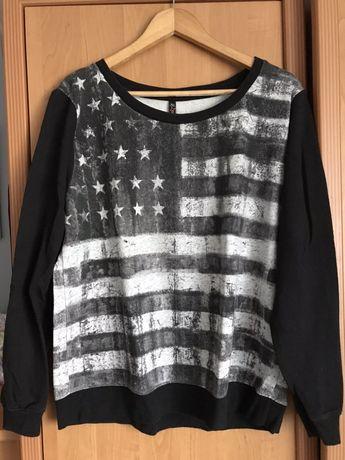 Bluza czarno biała z flagą