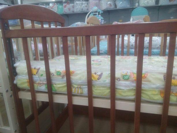Кроватка детская для новорожденых.