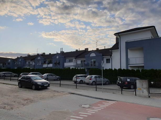 Rezerwacja. 2-pokojowe mieszkanie z balkonem i miejscem parkingowym