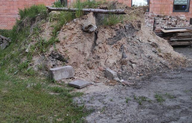Oddam piasek z gliną ziemia podsypka równanie terenu