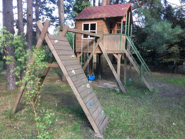 Domek drewniany dla dzieci. Bardzo fajny.
