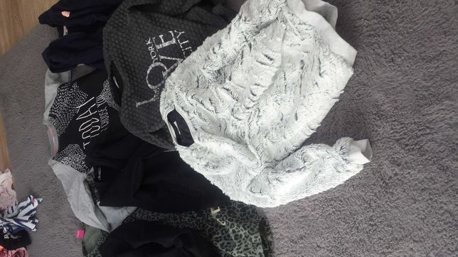 Zestaw ubrań dla dziewczynki 134-140