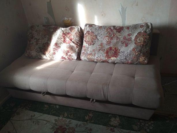"Продам диван с подушками ""Нептун"" фабрики СидиМ бежевого цвета"