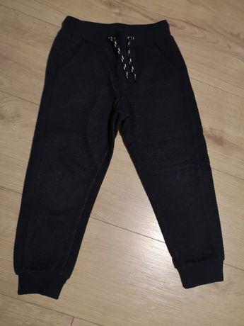 Spodnie dresowe cool club r 104