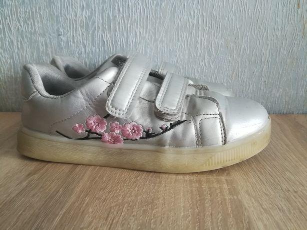 Кроссовки,кеды.Кожаные лакированные туфельки Superfit 35 р.