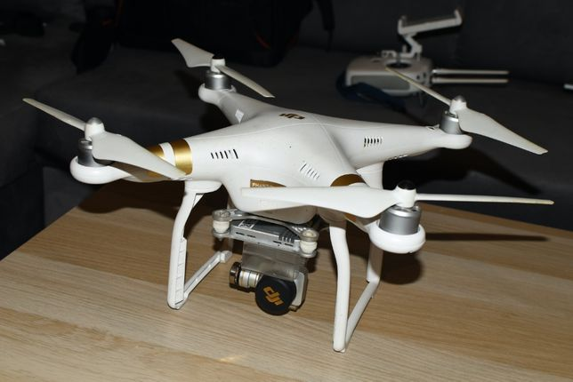 Dron DJI Phantom 3 4K trzy baterie plecak