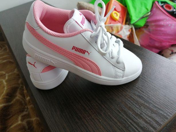 Puma! Кроси для дівчинки!
