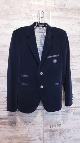 Продам пиджак детский