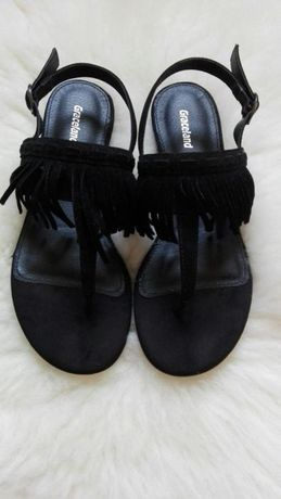 Daichmann (Graceland) czarne sandały z modnymi frędzlami rozm. 36