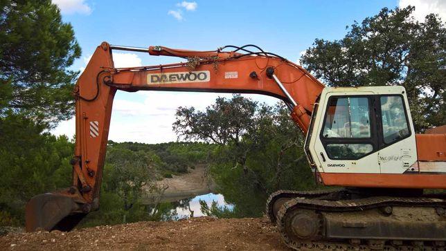 Escavadora Giratória Daewoo 330 - III