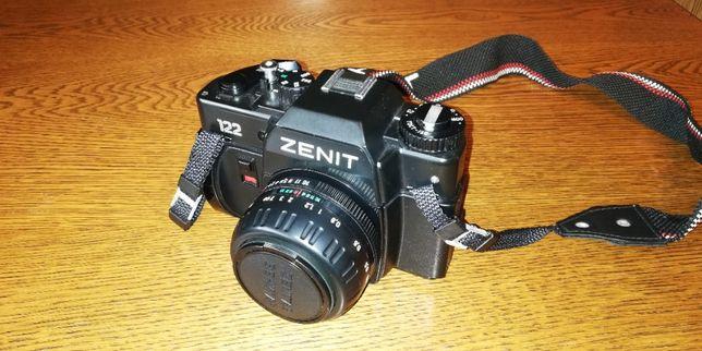 Analogowy aparat fotograficzny Zenit 122