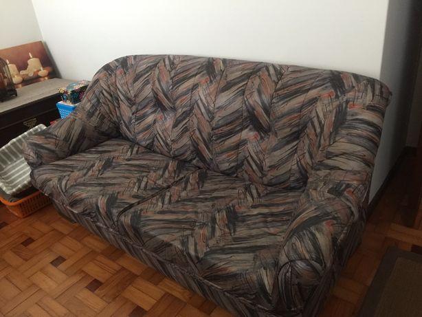 Sofá cama e sofá individual