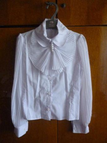 Блузка школьная 1-4 класс размер 140 Польша