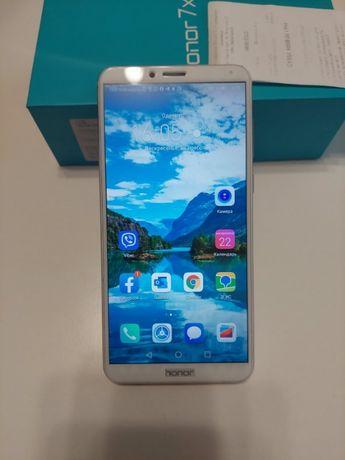 Телефон HONOR 7X 4/64GB 8 ядер GOLD