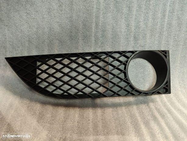 Grelha Direita Do Parachoques BMW Serie 7 E65 E66 Para Choques 7135566 51117135566