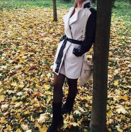 Пальто осінь-весна