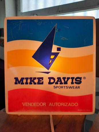 Reclame Publicitário Mike Davis