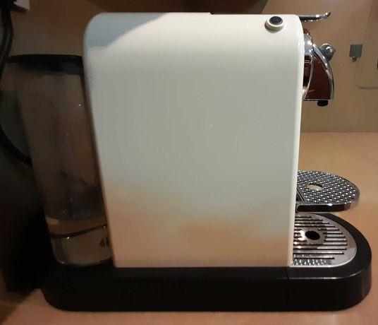 Máquina de café NESPRESSO Citiz