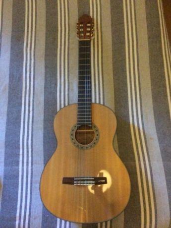 Guitarra acústica mel, oferta da capa