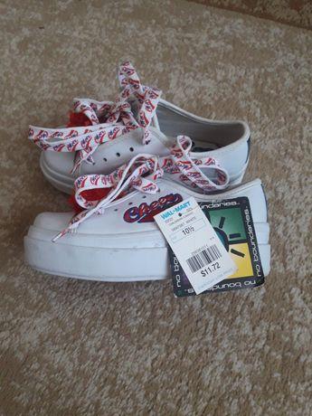Модные кроссовки 28 размер(стелька 17.7 см)