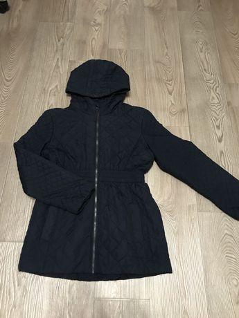 Демисезонная курточка на девочку 10-12 лет