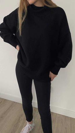 Sweterek polgolf czarny
