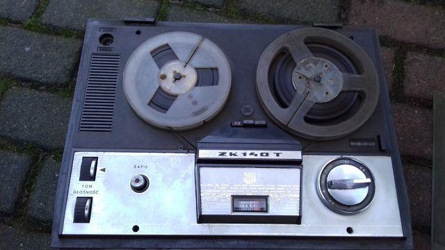 Sprzedam stary magnetofon