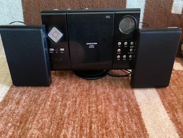 Radioodtwarzacz Wall Mountable CD System VMC1010