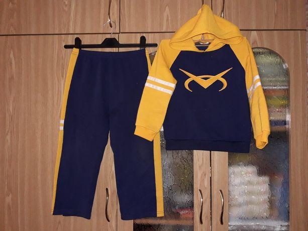 Теплий костюм кофта штани 4-6лет