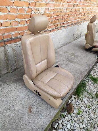Сидіння для авто