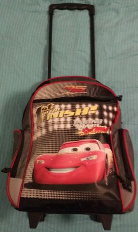 Plecak, tornister na kółkach, walizka z dodatkami