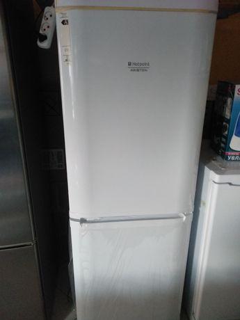 Холодильник Арістон новий !