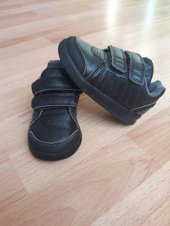 Кросси, кросівки, кеди чорні