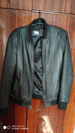 Продам мужскую кожаную куртку.