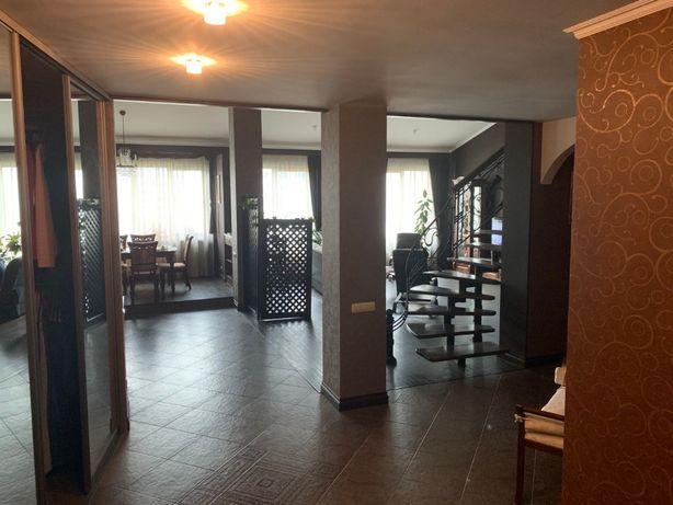 Продаж квартири 222 кв м по вул. Окружна, Франківський р-н Власник