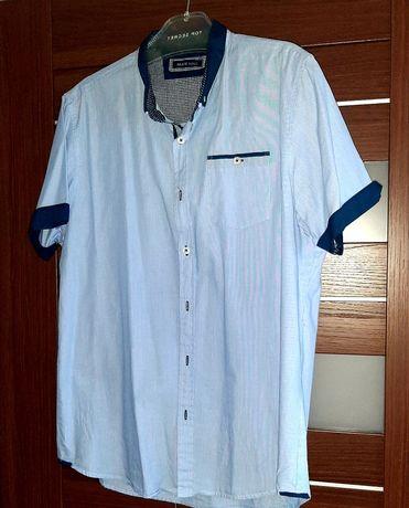 Błękitna koszula z krótkim rękawem rozmiar M-L