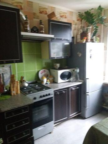 Продам 2 комнатную квартиру в центре. Ромны