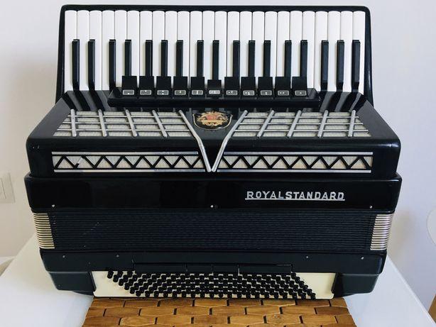 Akordeon Royal Standard Montana 120 bas 4/4 chóry