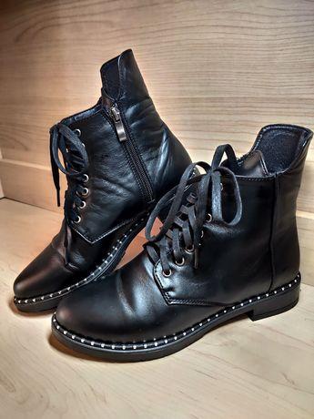 Ботинки кожаные .