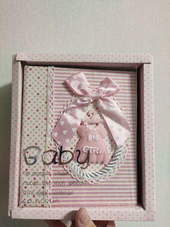 Очень красивый фотоальбом для новорожденной девочки