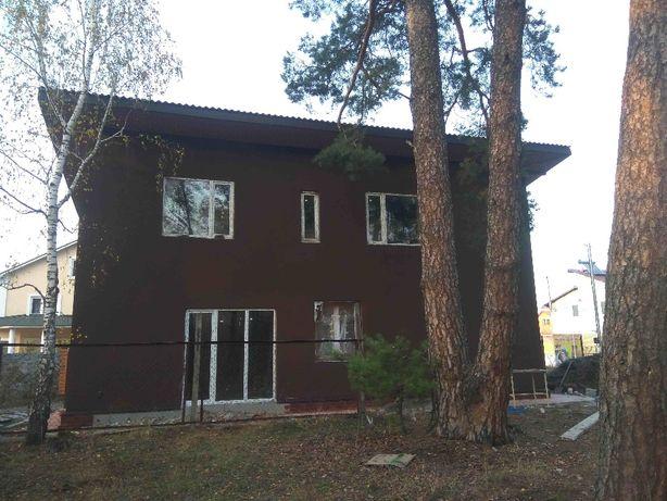 Дом в лесопарковой зоне, на границе Киева возле Пуща-Водицы.