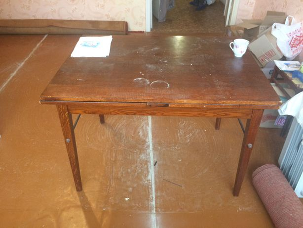 Продам стіл розкладний