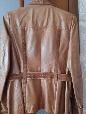 Куртка кожаная в очень хорошем состоянии.
