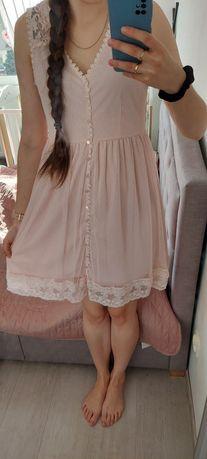 Sukienka różowa z koronką
