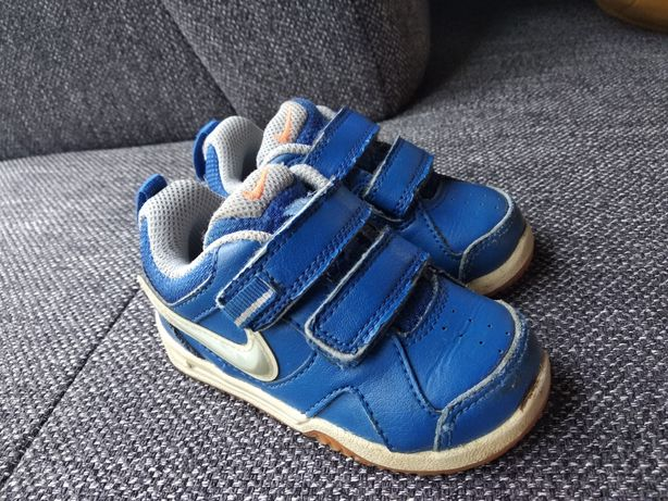 Buciki Nike rozm 21 niebieskie