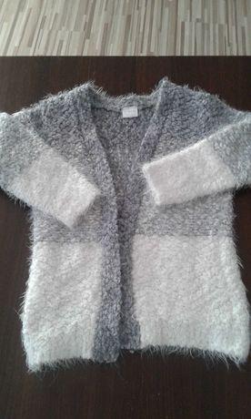 Sweterek dziewczecy